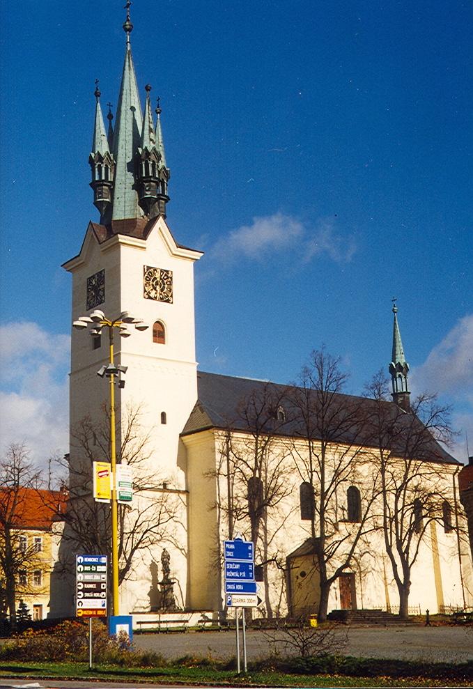 Kostel sv. Jakuba - pohled z Milínské ulice