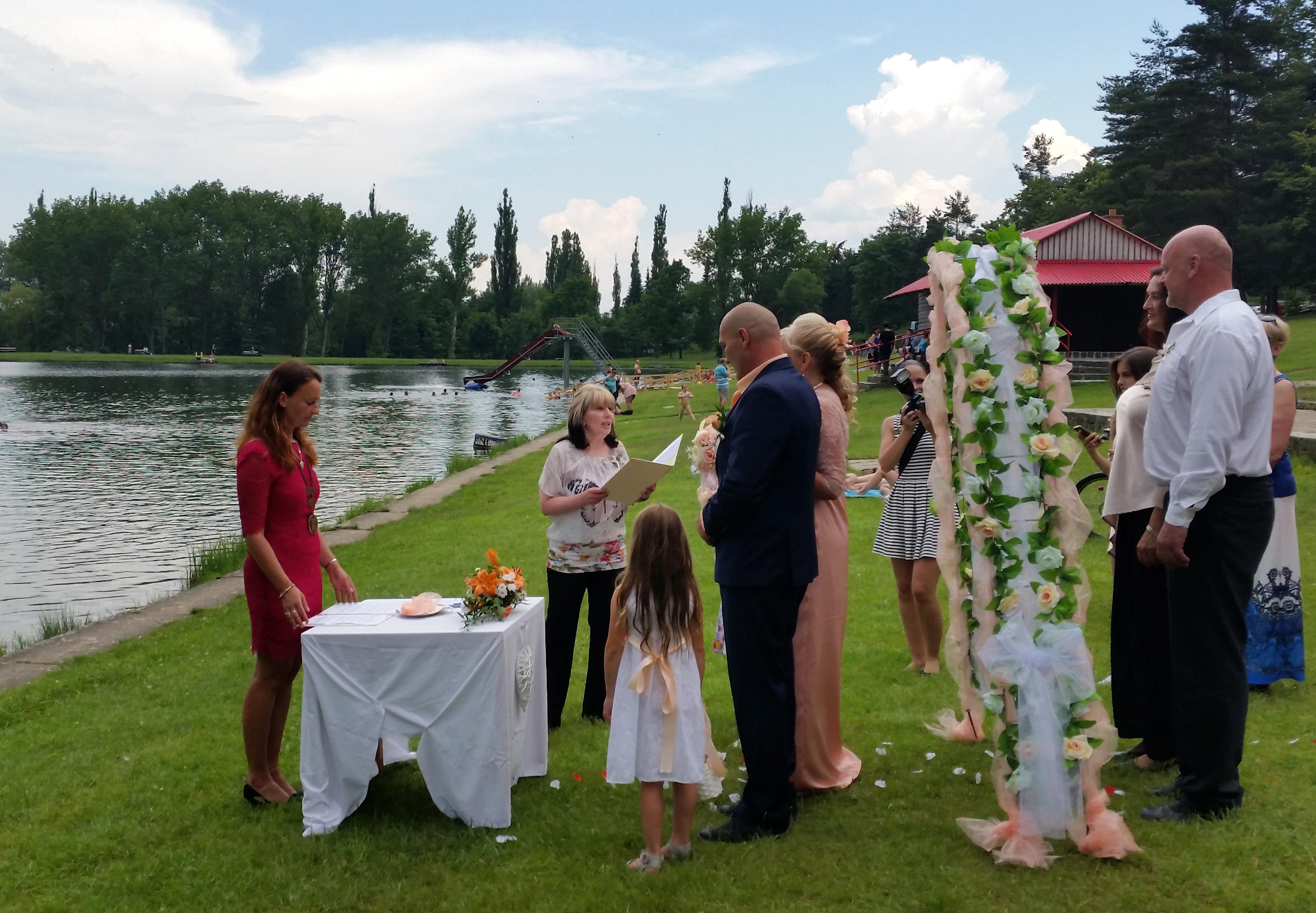 Uzavření manželství na Novém Rybníce.