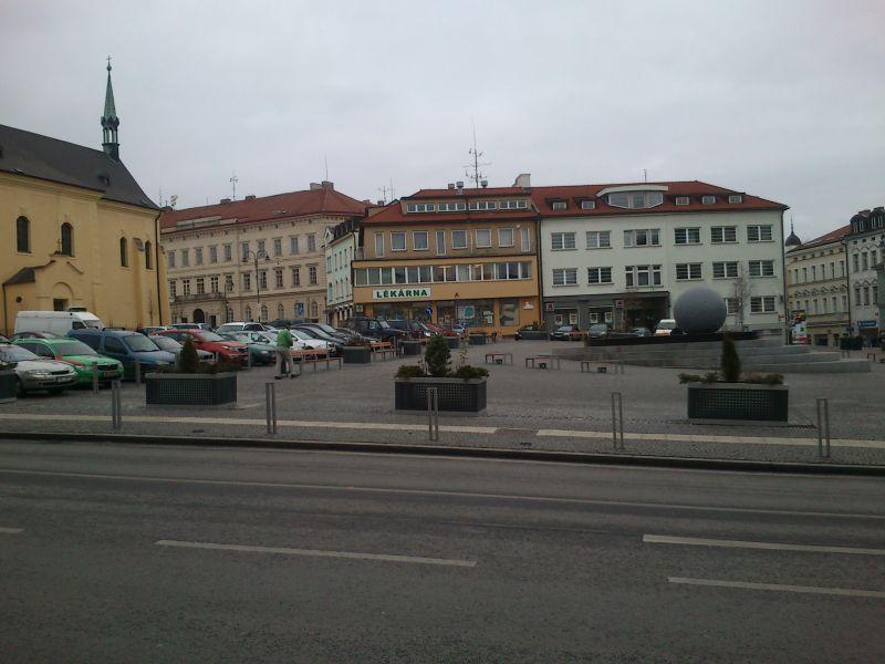 Pohled na náměstí - kašna
