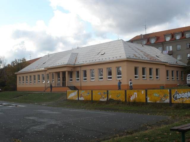 Pohled na budovu ZŠ