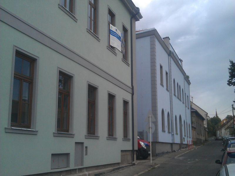Pohled na zateplenou budovu ZŠ