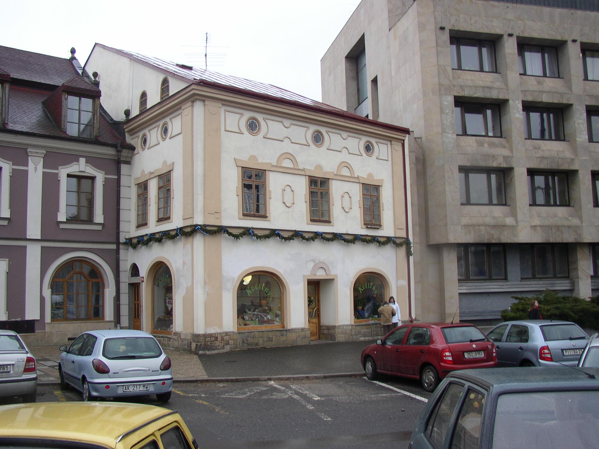 Dům Holých a hotel Modrý hrozen