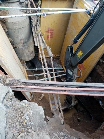 Stavbu komplikuje nestabilní podloží